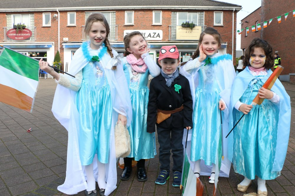 17-03-15 REPRO FREE  One big happy family... of ELSA's and Superhero's at the annual St. Patrick's Day Parade in Ballincollig Picture: Ailish Murphy
